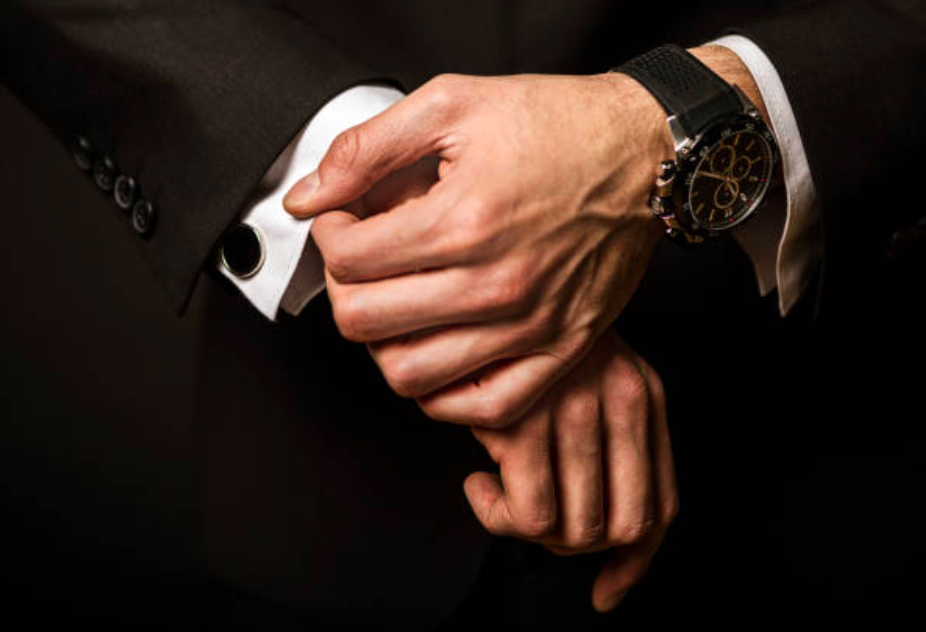 HOW TO BUY THE BEST WATCH FOR A MAN