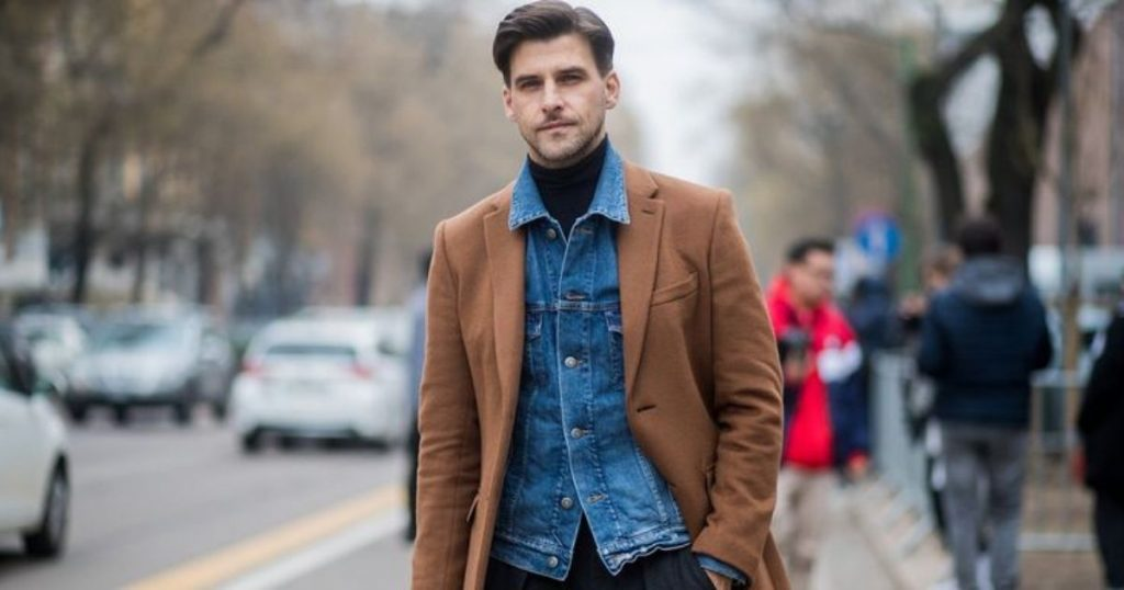 Buttoning a jacket and shirt up to the last button is a men's style mistake.