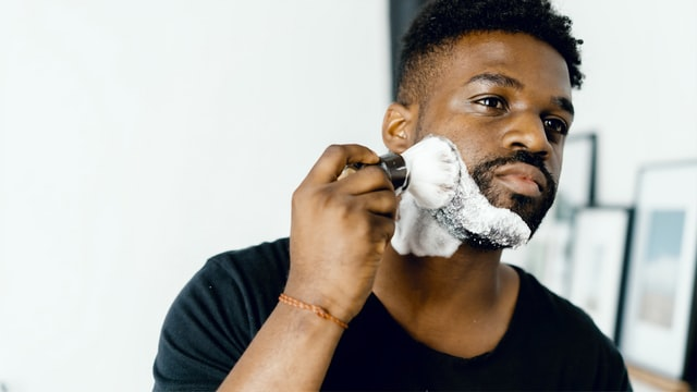 Adopt a Proper Shaving Routine to Slow Down Male Aging